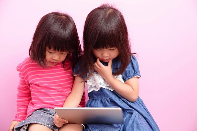 healthy_balance_children_digital_use.jpg
